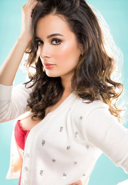 Evelyn Sharma Hot Photos