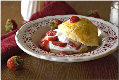 Country-Style Strawberry Shortcake