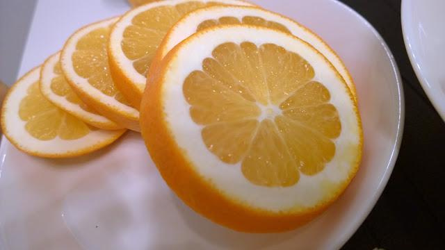 Saippuakuplia olohuoneessa. blogi, kuva Hanna Poikkilehto, appelsiini, brunssi