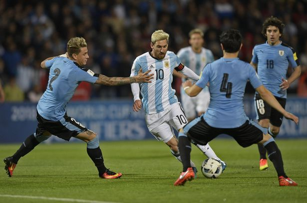 Argentina é líder na estreia de Bauza
