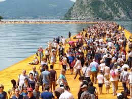 "Le ""floating piers"" sul Lago d'Iseo"
