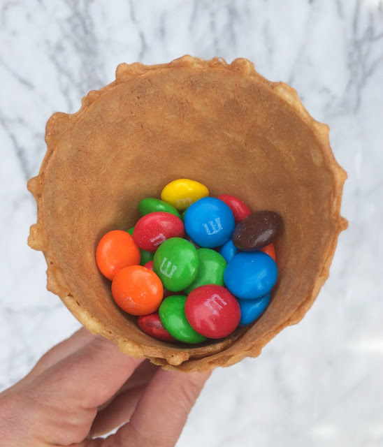 St. Patrick's Day Ice Cream - Blarney Cones with Rainbow M&Ms inside the cone- the perfect treat from the Leprechauns - www.jacolynmurphy.com