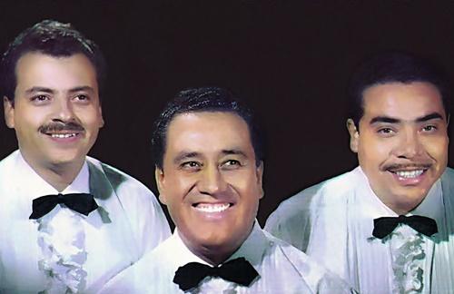 Los Tres Diamantes - Besame Mucho
