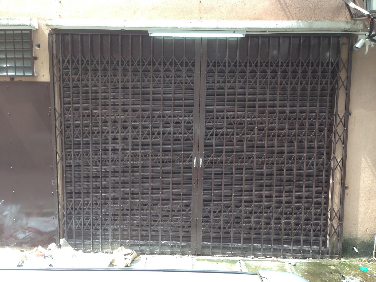 Collapsible Door Gate Amp Rusty Steel Collapsible Door