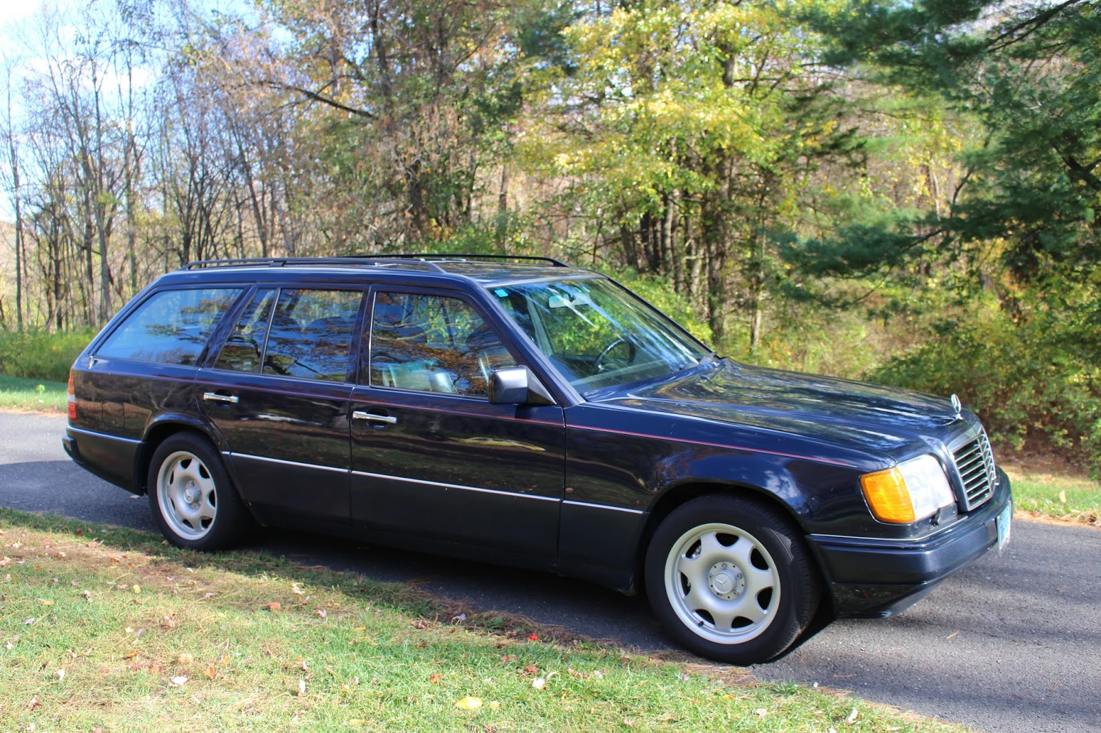 Daily turismo amg power 1995 mercedes e320 wagon for Mercedes benz e320 wagon