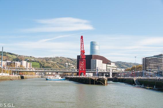 Museo maritimo y grua Carola. Bilbao por una bilbaina. Los museos
