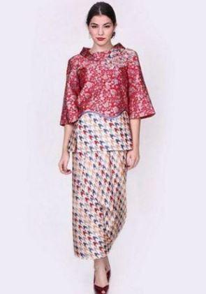 20+ Contoh Model Baju Batik Pesta Modern 2018