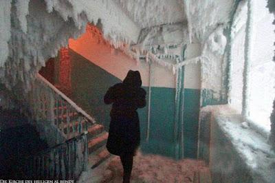 Schnee lustig eingefrorene Treppe - Eisbilder