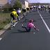 Vídeo de la dura caída de Rigoberto Urán en la 2ª etapa de la París Niza 2019