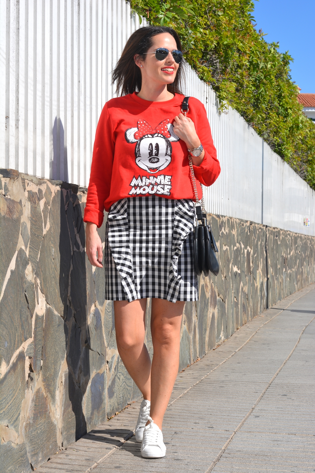 outfit-minnie-mouse-sudadera-tendencia-vichy-look