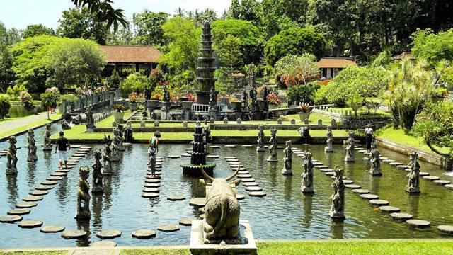 Istana Tirta Gangga, Bali