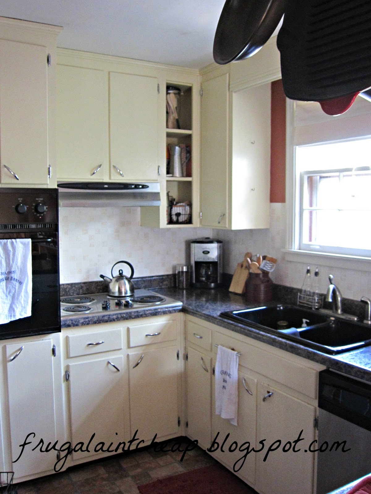wallpaper kitchen backsplash remodel home depot frugal ain 39t cheap great for renters too