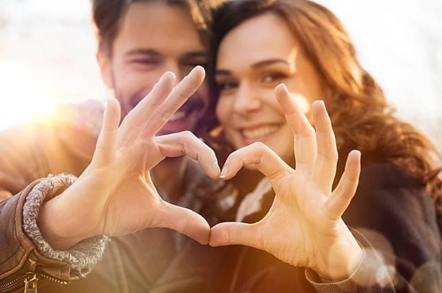 7 Cara yang Salah Menyatakan Kasih Sayang Ke Pasangan