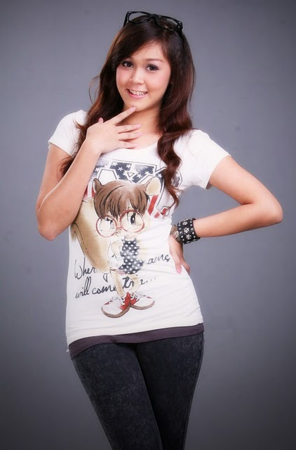 Cute Wallpapers Myanmar Pretty Model Girl Nann Thuzar-4474