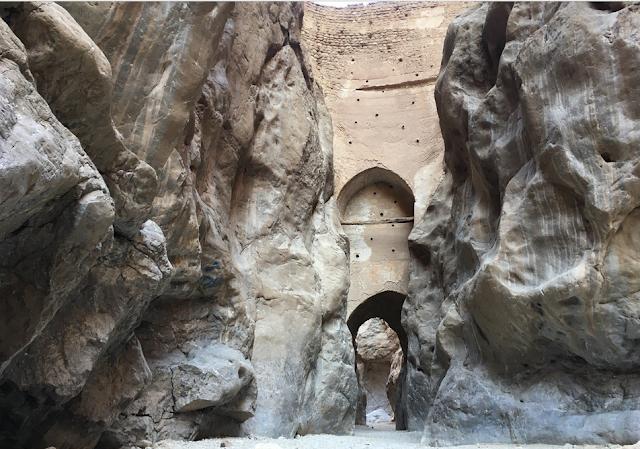 El cañón Morteza Ali y las aguas termales en Tabas