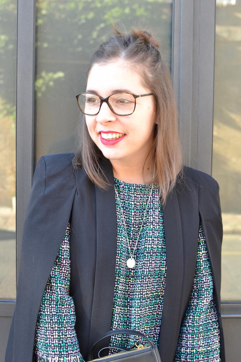 collier l'atelier d'amaya, robe tweed et veste noir Sheinside, trio bag céline, lunette de vue Chanel