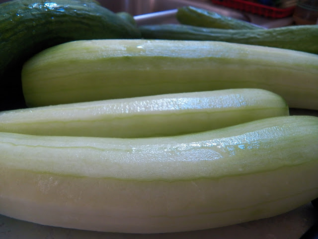 Cucumber to make Asier Pickles