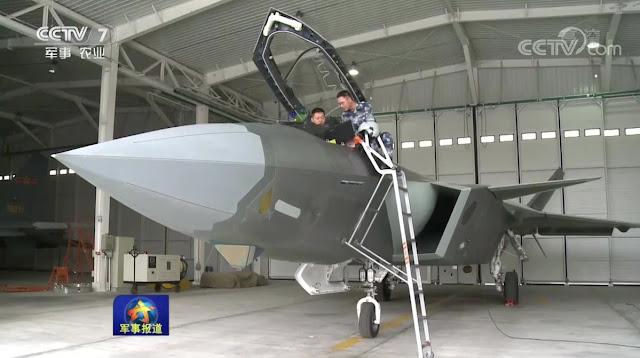 المقاتلة الصينية J-20 Mighty Dragon المولود غير الشرعي - صفحة 4 Close%2Bup%2Bof%2BChinese%2BJ-20