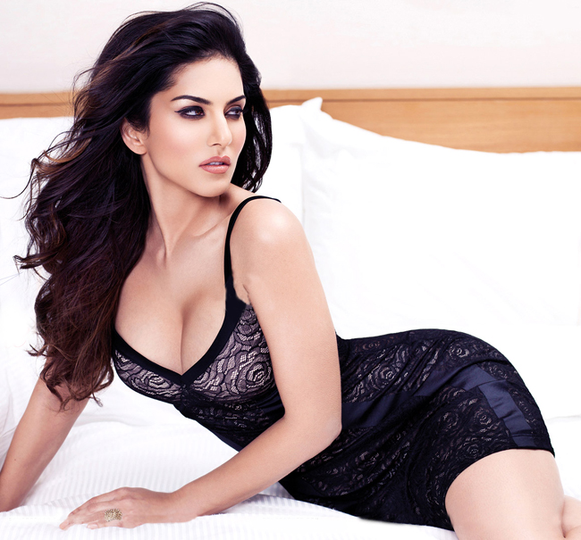 Sunny Leone Pics 2016 Dirty Picture Hot Painting