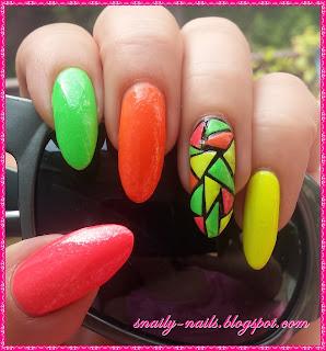 http://snaily-nails.blogspot.com/2016/08/neonova-geometria.html