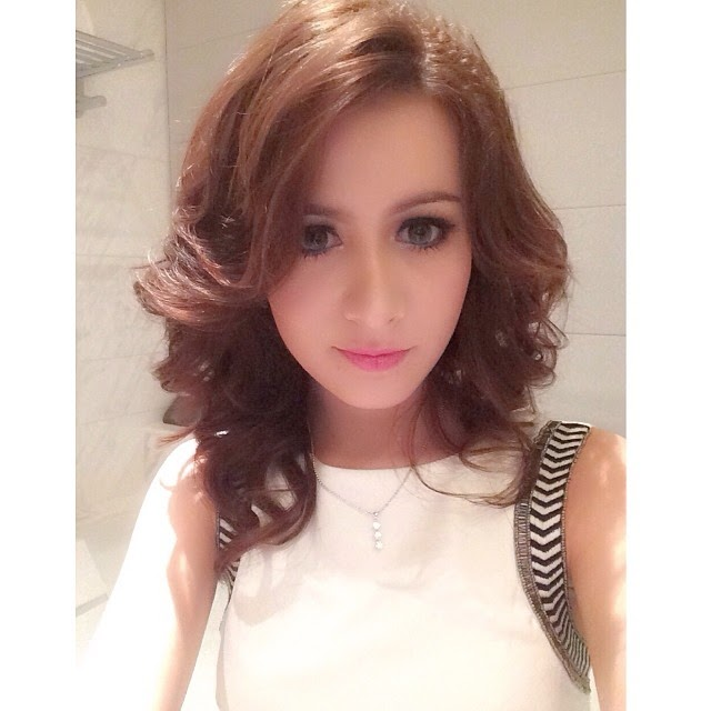 Rina Diana Artis Indonesia