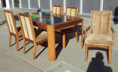 Superieur Posted By Uhuru Furniture U0026 Collectibles   Oakland At 10:14 AM