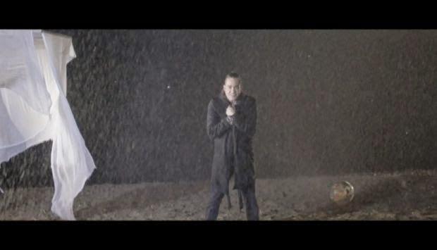 Dionysis Sxoinas VideoClip 2