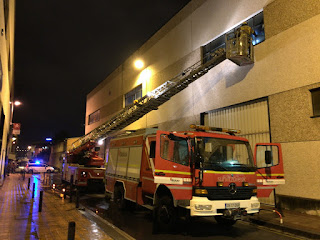 Incendio en un taller de coches en el polígono industrial Beurko Viejo