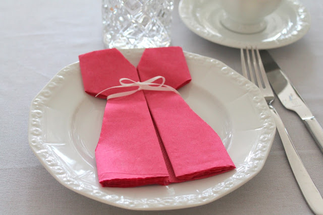 Table Decoration Babyshower Party Girl FreshFlowers Napkins shaped