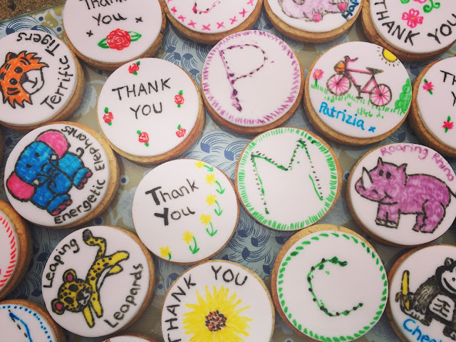 teacher gifts - decorated biscuits
