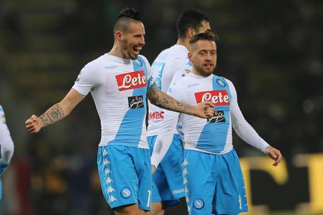 Serie A: Il Napoli ne fa sette al Bologna