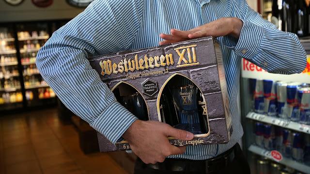 Westvleteren XII é a mais medieval, feita por monges. A corrida é imediata, porque dizem é a melhor do mundo!