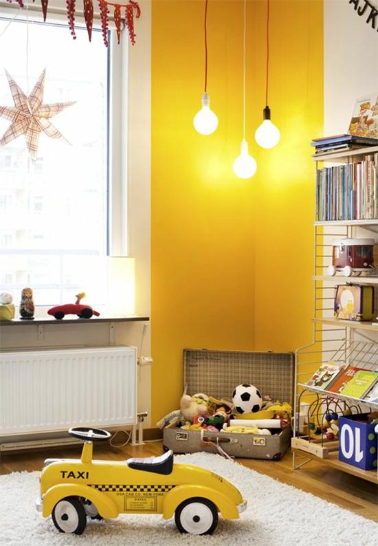 sala, parede amarela, yellow wall, decor, home decor, decoração, sala decorada, faixa amarela na parede