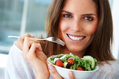 Come cinco veces al día