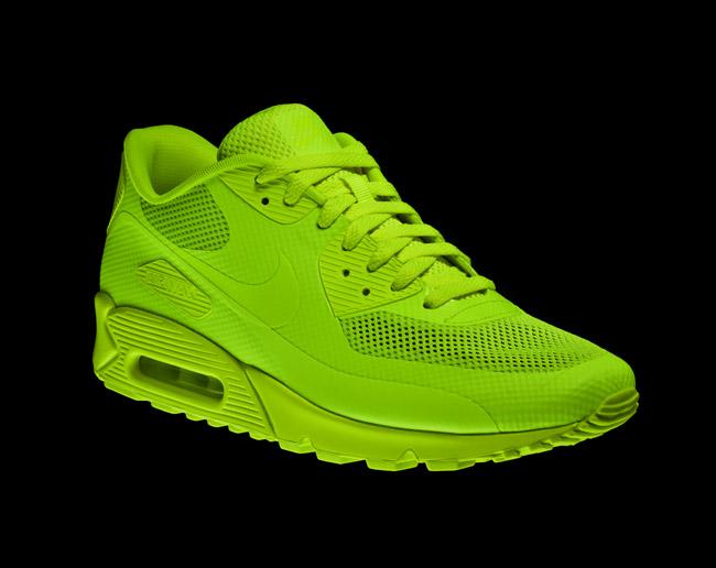 Kicks Off! The Sneaker Blog: agosto 2011