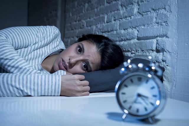 Kenapa Kita Sulit Tidur Saat Berada di Tempat yang Baru?