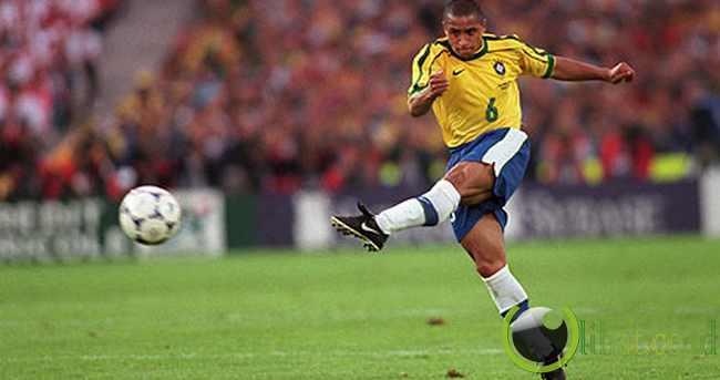 Roberto Carlos (168 cm - Brazil)