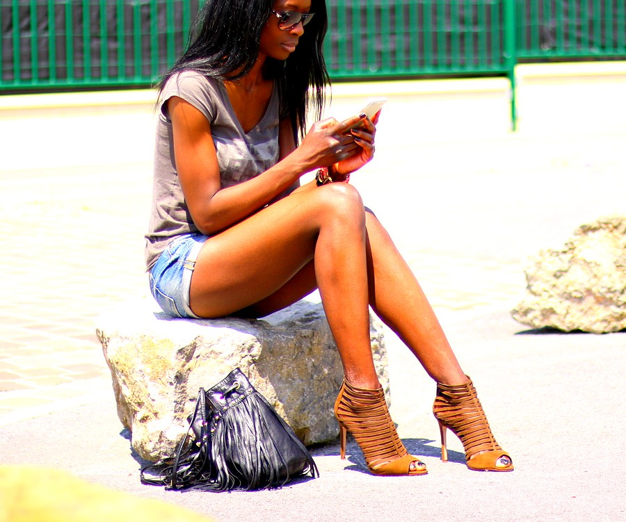 denim-shorts-band-tee-fringe-bag-strappy-sandals-style-blog