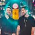 Balada romântica de Leandro Buenno ganha clipe com casal gay