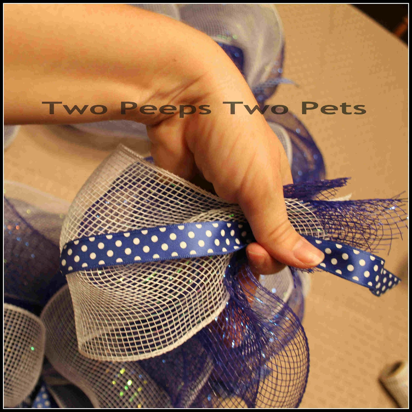 Two Peeps Two Pets The Wire Mesh Deco Wreath Tutorial