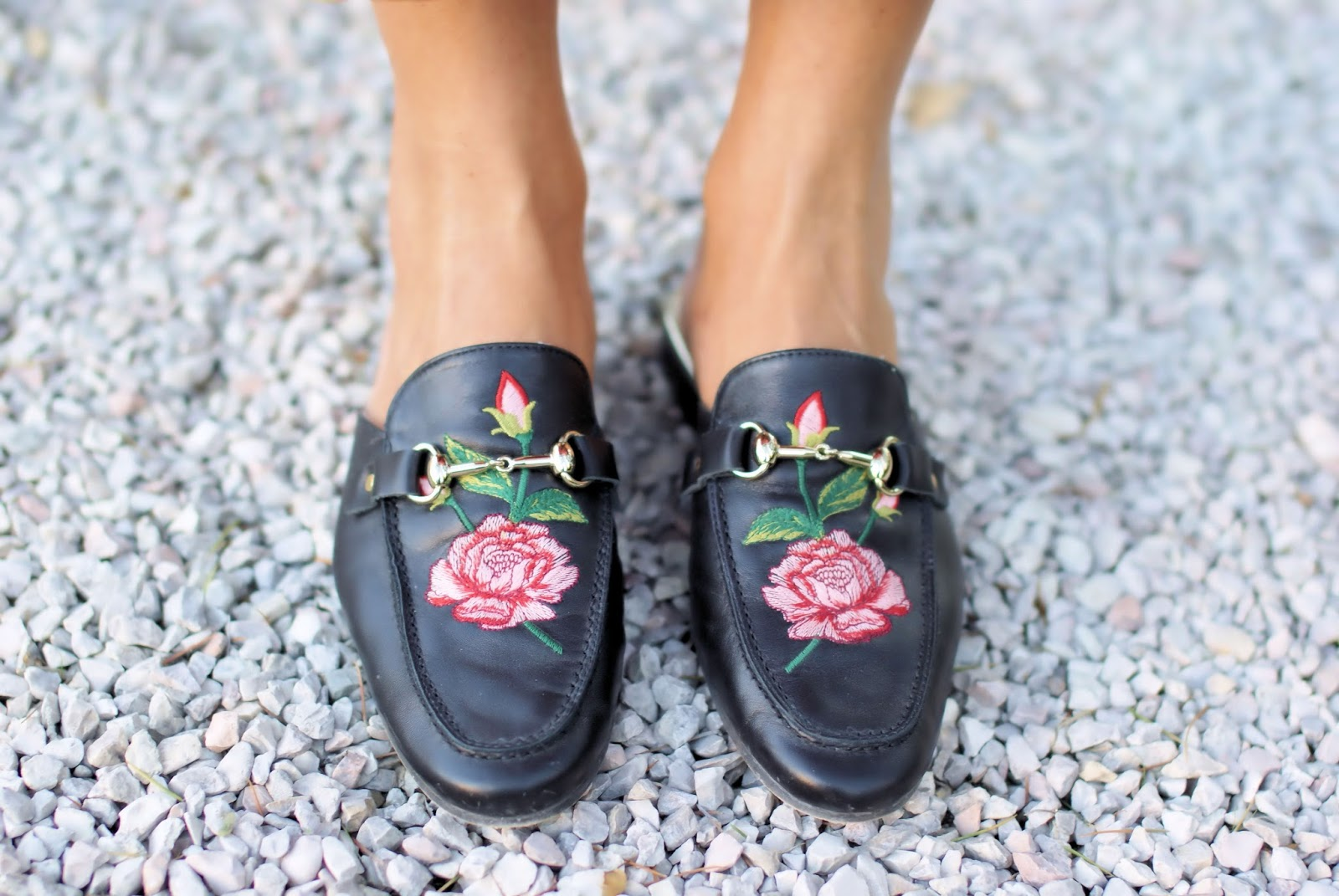 Gucci lookalike slipper mules on Fashion and Cookies fashion blog, fashion blogger style