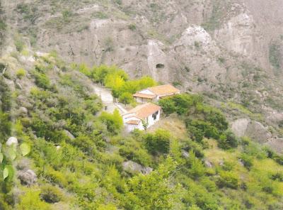 Το εκκλησάκι του Αγίου Προκοπίου στο Κουφόδασο Χελυδορίου   Κορινθίας, μετόχι της Ιεράς Μονής Προφήτου Ηλιού Ζαχόλης.   Τον 17ο αιώνα ήταν αυτοτελής μονή.