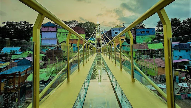 Jembatan Kaca Kampung 3D