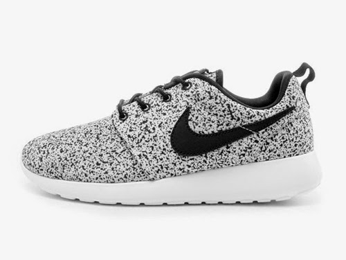 buy online f7811 9145e Nike Roshe Black And White Speckled