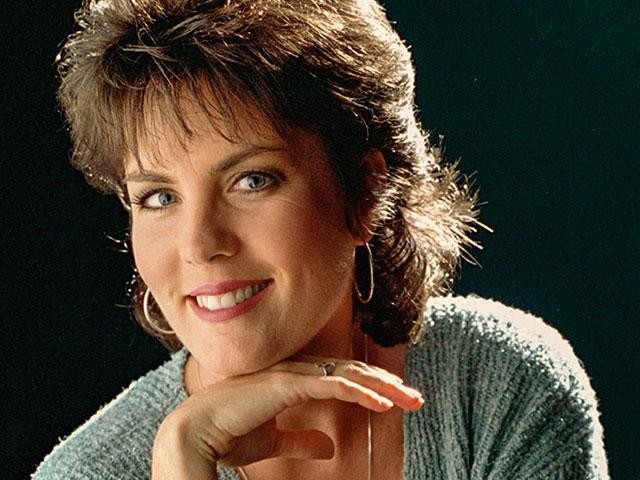 i met holly dunn in the early 90s after a concert where she was opening for charlie rich at the legendary austin opry house standing around outside the