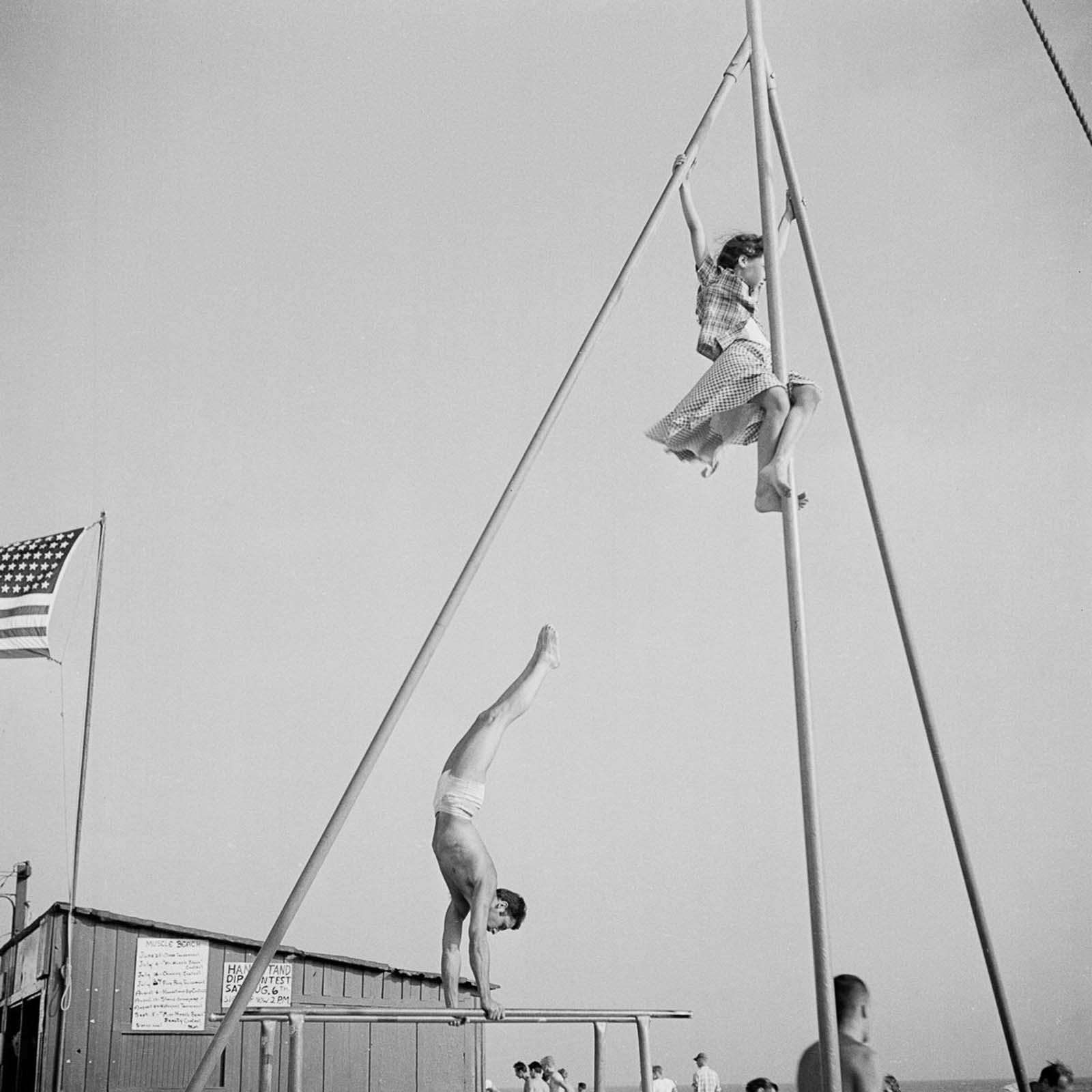 By the 1950s, Muscle Beach established worldwide fame and helped to popularize and bring legitimacy to physical culture with acrobatics and bodybuilding.
