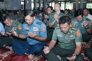 Mabes TNI Gelar Istighotsah dan Doa Bersama