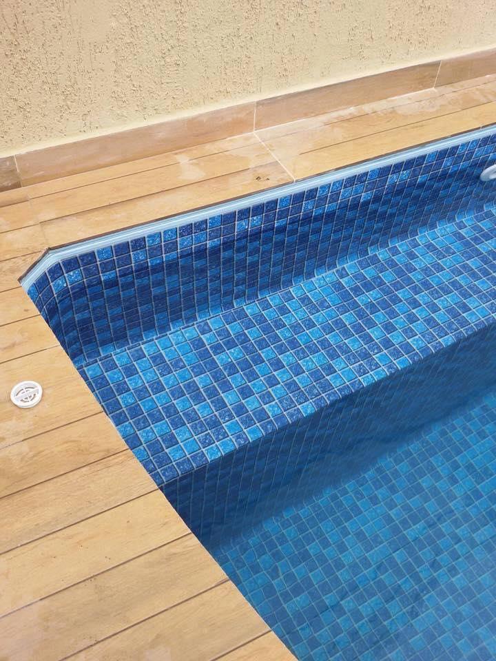C mo construir una piscina de material construccion y for Material de piscina