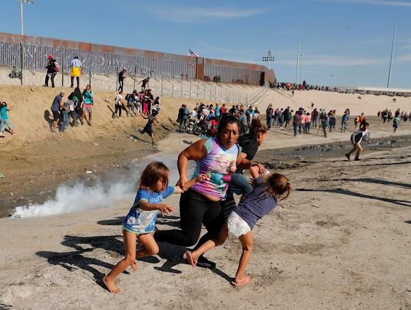 FOTOS: Mas de 500 migrantes intentaron cruzar a estados unidos.