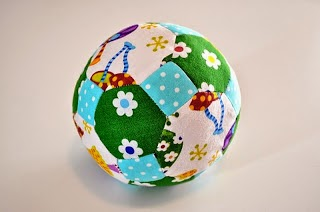 http://themerrychurchmouse.blogspot.com/2013/08/polyhedron-baby-toy-tutorial.html